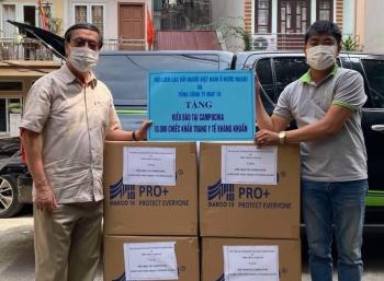 ALOV tặng 30.000 khẩu trang cho kiều bào tại Lào, Campuchia, Thái Lan