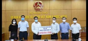 Doanh nhân Việt kiều Nguyễn Hoài Bắc ủng hộ 100 triệu đồng, 5 tấn gạo cho người dân trong vùng dịch