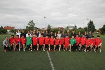 Cộng đồng người Việt giành giải Nhì Giải bóng đá Thượng viện Séc năm 2021