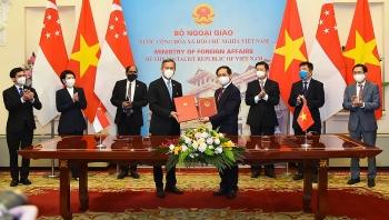 Thúc đẩy hợp tác  giáo dục, văn hóa, du lịch, giao lưu nhân dân giữa Việt Nam và Singapore