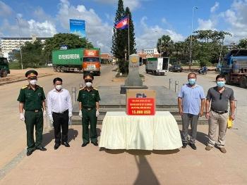 Đồng Nai, Bình Dương hỗ trợ cộng đồng gốc Việt tại Campuchia phòng chống Covid-19