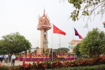 Đài hữu nghị Việt Nam - Campuchia biểu tượng thiêng liêng của hai dân tộc