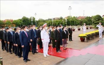 Tổng Bí thư, Chủ tịch nước Lào Thongloun Sisoulith vào Lăng viếng Chủ tịch Hồ Chí Minh