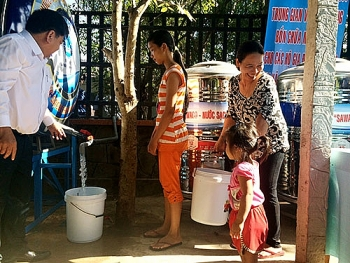 Giảm tiền nước, tặng nhu yếu phẩm cho người nghèo, người lao động ở TP.HCM bị ảnh hưởng bởi Covid-19