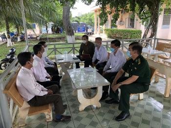 Đồng Tháp trao quà hỗ trợ trị giá 150 triệu đồng cho bà con Việt kiều tại Campuchia