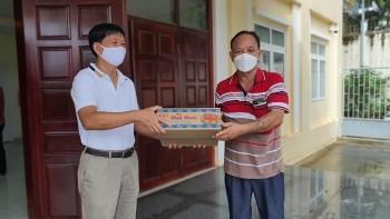 Phát quà cho 170 hộ gia đình gốc Việt và Campuchia gặp khó khăn tại TP Preah Sihanouk