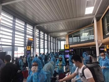 280 người Việt từ Anh, Đức, Thụy Sỹ, Đan Mạch và Séc về nước, cách ly tại Vân Đồn