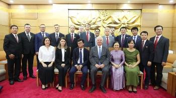 Hội Hữu nghị Việt - Nga trao kỉ niệm chương cho 10 cán bộ Liên bang Nga tại Việt Nam