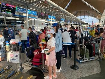 240 công dân Việt Nam từ Malaysia về nước