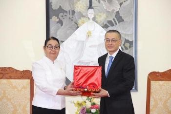 Chính phủ Vương quốc Campuchia truy tặng Huân chương Mahasena cho cố Đại sứ Ngô Điền