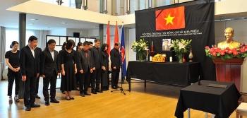Người Việt tại các nước tổ chức trọng thể Lễ viếng nguyên Tổng Bí thư Lê Khả Phiêu