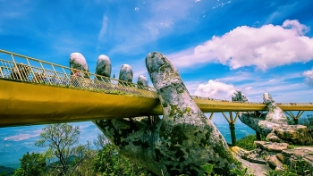 Báo Tây ca ngợi Cầu Vàng, vịnh Hạ Long của Việt Nam
