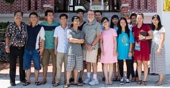 Quỹ Philip David Gray trao học bổng cho sinh viên nghèo Việt Nam năm học 2020-2021
