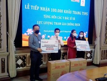 2 doanh nghiệp kiều bào tặng 100.000 khẩu trang TS95 cho y bác sĩ, lực lượng chống dịch TP.HCM