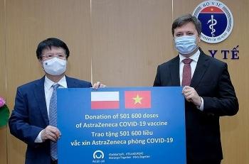 Tiếp nhận hơn 501.000 liều vaccine Covid-19 do Ba Lan viện trợ Việt Nam