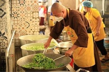 Các tổ chức tôn giáo ở Việt Nam chung tay cùng cả nước phòng chống dịch Covid-19