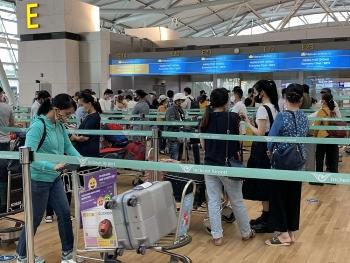 Thêm chuyến bay đưa 645 công dân Việt Nam từ Hàn Quốc, Singapore về nước