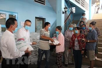 Hỗ trợ đợt 4 cho người gốc Việt ở Campuchia gặp khó do dịch COVID-19