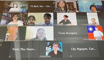 Ban Dự án Ngày Quốc tổ Việt Nam toàn cầu tổ chức lớp học báo chí dành cho kiều bào