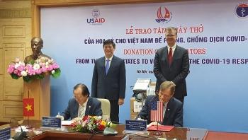 Hoa Kỳ tặng Việt Nam 100 máy thở và cam kết tài trợ 9,5 triệu USD hỗ trợ phòng, chống COVID-19