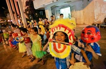 Tổ chức các hoạt động Tết Trung thu cho trẻ em phù hợp với tình hình của địa phương