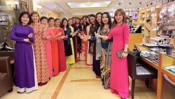 Hội Liên hiệp Phụ nữ Doanh nhân Việt Nam tại Đài Loan ủng hộ 25 triệu đồng cho ATM Oxy tại TP.HCM