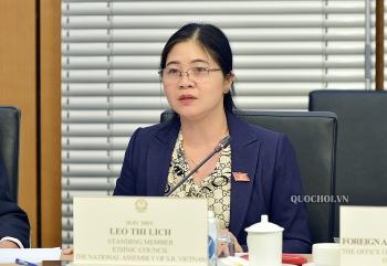 Quan tâm, chăm lo hơn nữa cho phụ nữ dân tộc thiểu số trong đại dịch COVID-19