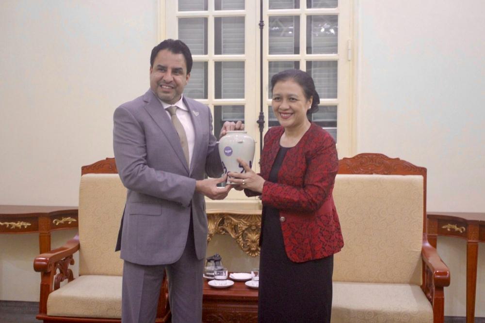 Chủ tịch Liên hiệp các Tổ chức hữu nghị Việt Nam Nguyễn Phương Nga tiếp Đại sứ UAE tại Việt Nam