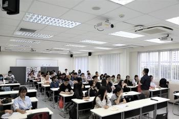 JICA trao 120 suất học bổng cho học viên trường Đại học Việt Nhật