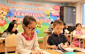 Tập huấn giảng dạy tiếng Việt cho giáo viên người Việt Nam ở nước ngoài