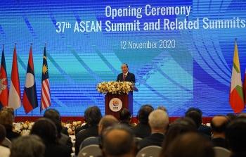 Thủ tướng Nguyễn Xuân Phúc: Đoàn kết và tự cường, ASEAN sẽ vững vàng vượt lên các thách thức