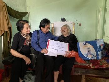 ALOV trao quà cứu trợ trên 560 triệu đồng cho bà con vùng lũ Nghệ An, Quảng Bình
