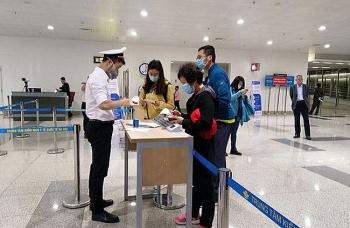 Thêm chuyến bay đưa 240 công dân Việt Nam từ Singapore về nước an toàn