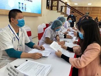 Đảm bảo an toàn hàng đầu cho tình nguyện viên tiêm thử nghiệm vaccine Nanocovax