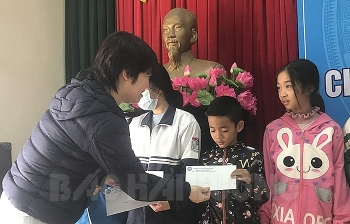 Tổ chức HSCV trao học bổng cho 42 học sinh có hoàn cảnh khó khăn tại Hải Dương