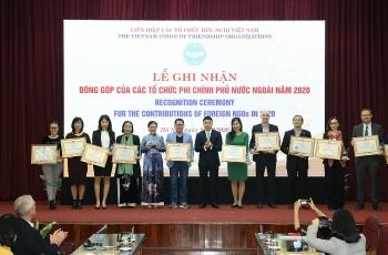 VUFO tặng bằng khen cho 50 tổ chức phi chính phủ nước ngoài