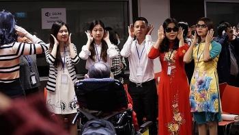 22 học viên khiếm thị được đào tạo kinh nghiệm kinh doanh trên mạng