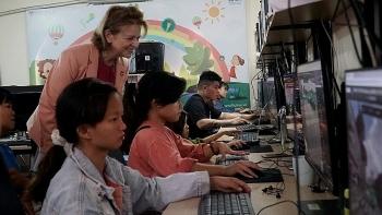 Gần 40 học sinh khuyết tật Việt Nam tiếp cận việc làm công nghệ số