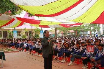 Học sinh Hà Nội, Bắc Giang, Bắc Ninh nâng cao khiến thức về 4.0