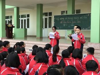 Tập huấn về kỹ năng sử dụng mạng xã hội cho học sinh THCS Bãi Cháy (Quảng Ninh)