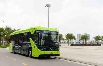 Công ty VinBus (thuộc Vingroup) chính thức vận hành xe bus điện thông minh đầu tiên tại Việt Nam