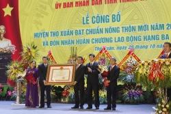 huyen tho xuan don bang cong nhan huyen dat chuan nong thon moi va huan chuong lao dong hang ba