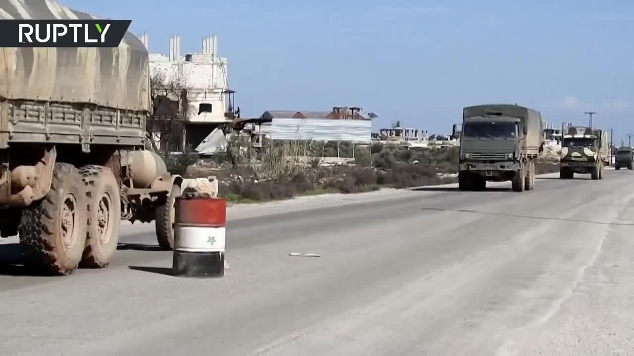 video hang loat khi tai quan su cua syria un un keo toi thanh pho idlib