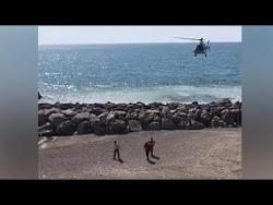 Video: Cảnh sát Italia dùng trực thăng giám sát người bị cách ly vì COVID-19