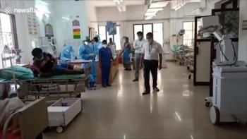 video an do dung robot mang thuoc cho benh nhan nhiem covid 19