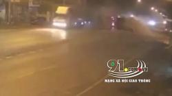 Video: Container mất lái, đâm vỡ dải phân cách trên quốc lộ 1A