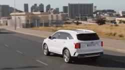 Video: Cận cảnh KIA Sorento 2021 lăn bánh trên đường