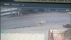 video khoanh khac chien si csgt bi container can tu vong tai tien giang