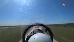 Video: Mãn nhãn màn tiếp nhiên liệu của Su-35 và Su-30 giữa không trung