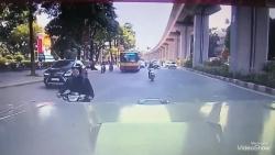 video thanh nien thong chot 141 kieu nguoc chieu va cai ket dang
